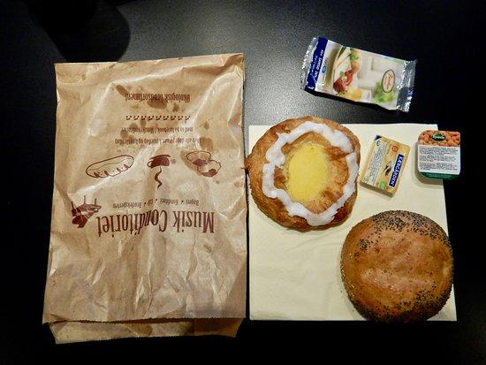 Valby, Danmark: Repas du matin 60 couronnes