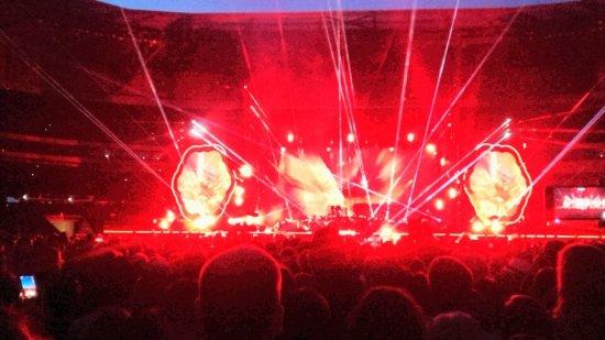 Decines-Charpieu, France: effet de lumières concert COLDPLAY