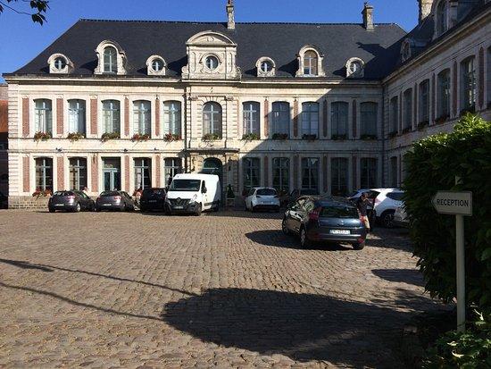 Gosnay, ฝรั่งเศส: Façade