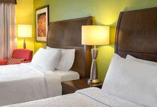 Englewood, CO: Queen Beds