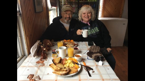 Quirpon Island, แคนาดา: Lovely couple from Maine enjoying a Viking breakfast. 2017.