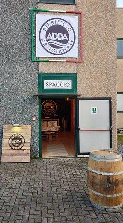 Brembate, อิตาลี: Ingresso spaccio/Tap room