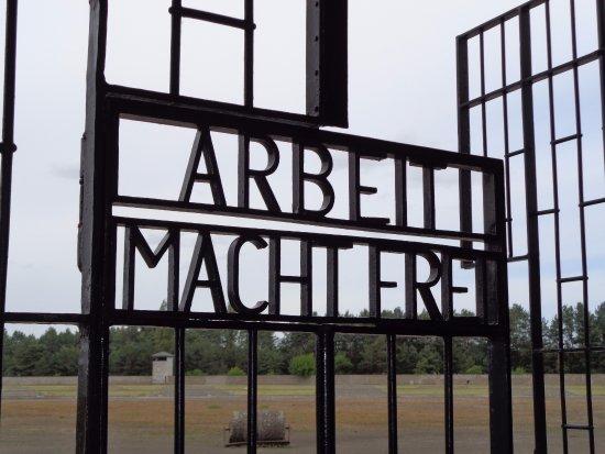 Sachsenhausen Concentration Camp: Alleen al deze tekst geven je koude rillingen.
