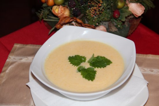 Karikás Restaurant and Hotel : Peach soup