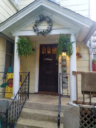 Williamson, WV: Front of house