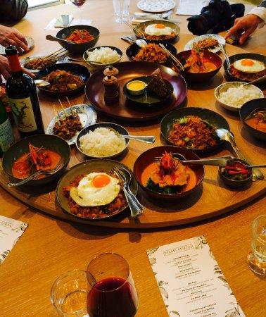 Mama makan indonesian kitchen amsterdam plantage the for Mama s italian kitchen