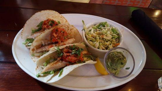 Bahama Breeze: Mahi Tacos Slaw Guac