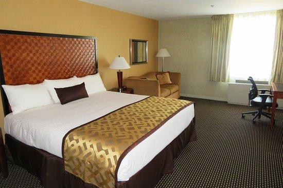 SKYLINE HOTEL (New York City) - Reviews, Photos & Price Comparison - TripAdvisor