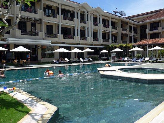 La piscine picture of hoi an historic hotel hoi an for La piscine review