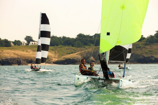 Morbihan, France: Stage de Dart 16 au Club Nautique du Rohu