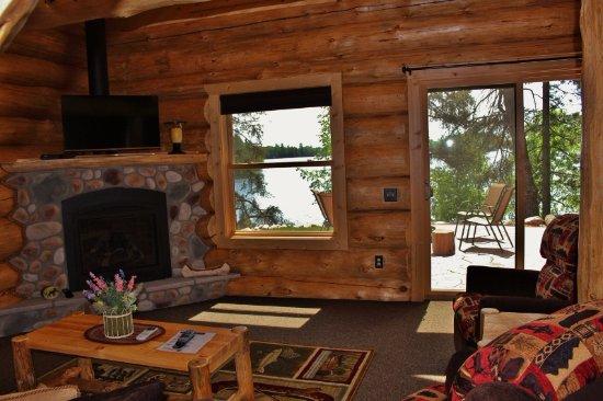 Bigfork, MN: Jack Pine cabin living room