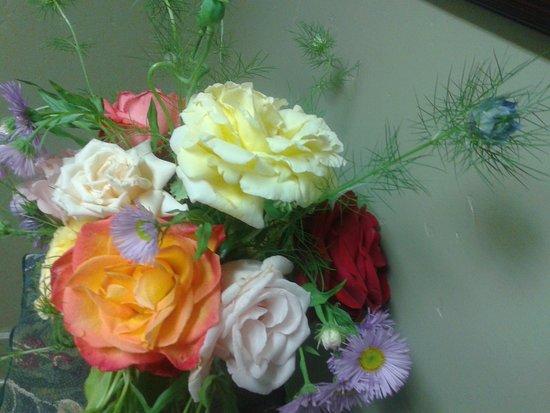 Jeff Runquist Wines: Bouquet in the bathroom