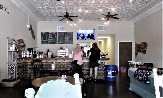 Jackson, MO: Tin ceilings enhance the counter