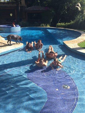 La Joya del Viento: Pool fun