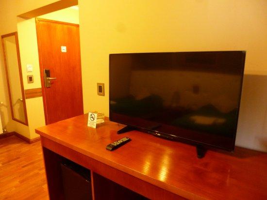 TV LED HABITACION DOBLE TWIN - Picture of Rio Cuarto ...