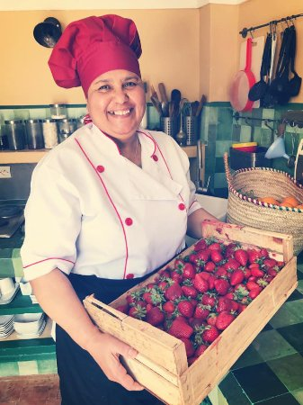 Riad Anata: Mina notre cuisinière