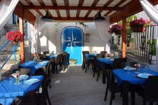 La terrazza - Picture of Ristorante La Piazzetta, Peschici - TripAdvisor