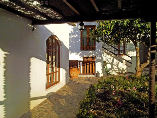 Pitres, España: The courtyard at Casa Ana
