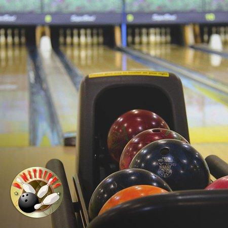 Pinstrikes: Bowling