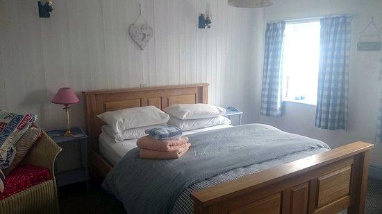 Burscough, UK: cosy room and cute decor