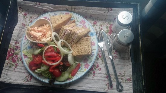 Burscough, UK: gourmet salad & sandwich