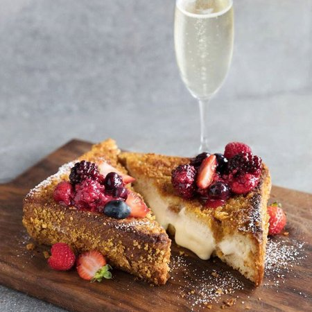Westwood, Californie : Decadent Stuffed French Toast