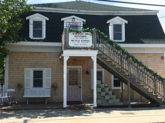 The Seacrest Inn