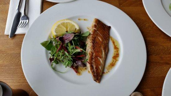 Aqua Restaurant: Pan Fried Fillet of Sea Bass