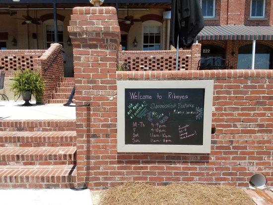Вашингтон, Северная Каролина: Ribeyes Steakhouse - Washington