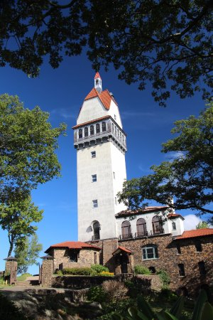 Talcott Mountain State Park: Heublein Tower Sep, 2014