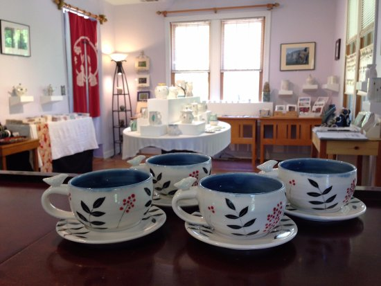 Rocheport, MO: Featuring handmade, one-of -a-kind ceramic art, pottery, and more.