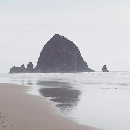 Cannon Beach Cool Place To Visit Especially After Watching The Goonies Growing Up