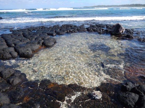 Blue Bay: Walking around the island