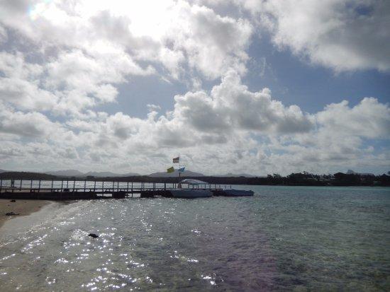 Blue Bay: Walking around the island - Pier