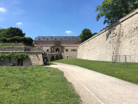 Zitadelle Petersberg: photo0.jpg