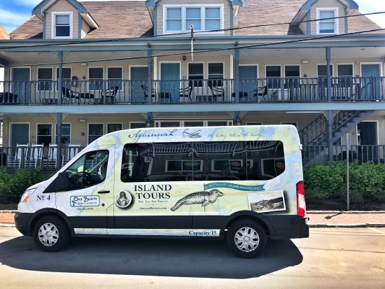 Oak Bluffs Land and Wharf Co. Tours
