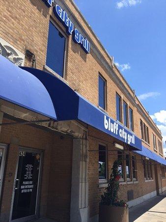Alton, IL: Front Entrance