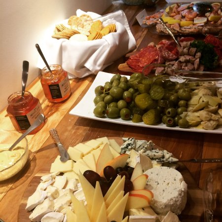 Lake Cowichan, Kanada: Only a sample of our Sunday Brunch Buffet
