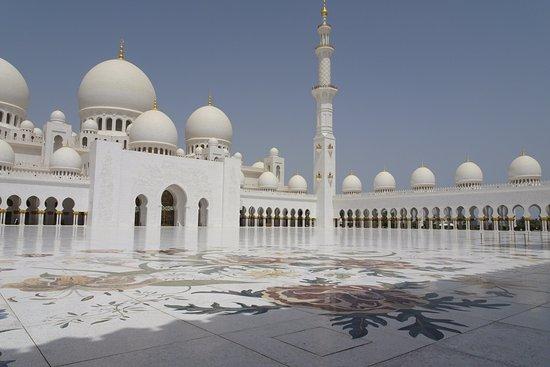 La Mosquée Blanche Abu Dhabi Picture Of Tour Val Dubai