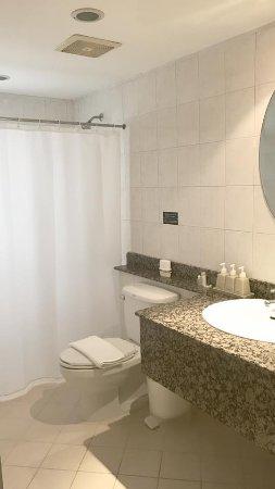 สุรินทร์ เบย์ อินน์: Bathroom