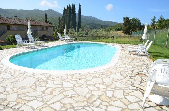 Chianni, Italy: piscina