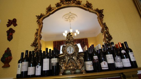 Aghadoe, Ireland: Extensive wine list and full range of drinks