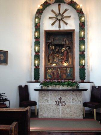 Oberndorf bei Salzburg, Austria: Altar of Stille Nacht Chapel