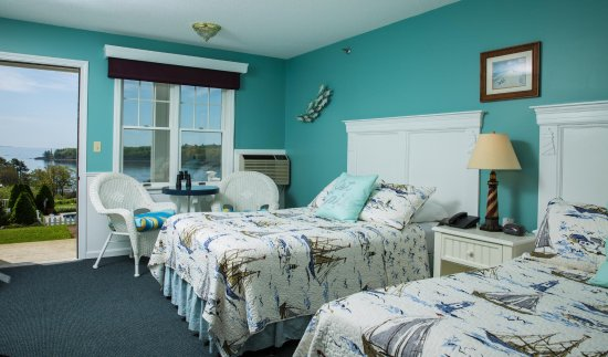 Strawberry Hill Seaside Inn Photo