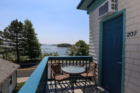 Inn on Onset Bay: balcony of 207