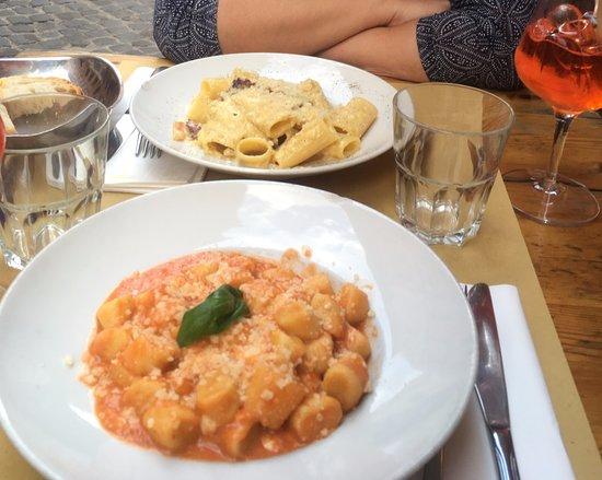 Sette Oche Ristorante: Carbonara rigatoni and gnocchi with tomato sauce and pecorino