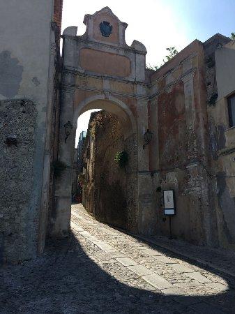 Porta delle bombarde gerace itali beoordelingen - Porta bombarde ...