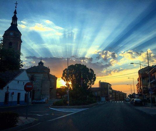 Cedillo del Condado, Spain: Parroquia de Nuestra Señora de la Natividad al atardecer