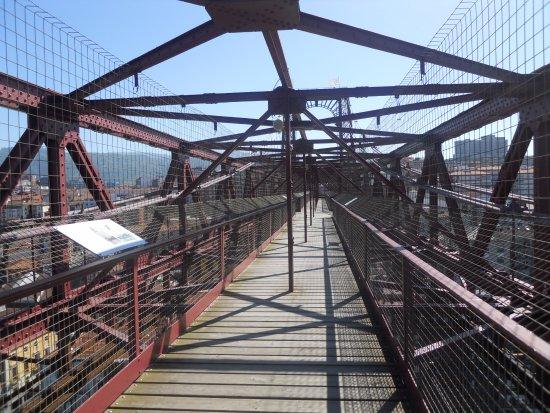Provincia de Vizcaya, España: Esta es la pasarela propiamente dicha, muy segura y cómoda, sin problemas de vértigo.