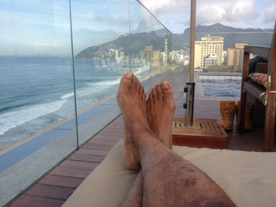 Sol Ipanema Hotel: A view from the tiny rooftop pool.